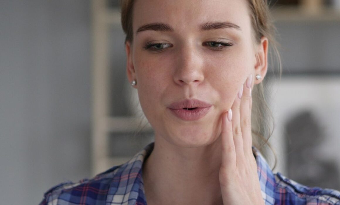 What-causes-tooth-decay-and-gum-disease